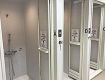 屋内プール用シャワー室